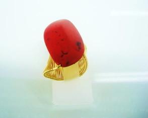 Anel Folheado Ouro 18k Pedra Vermelha
