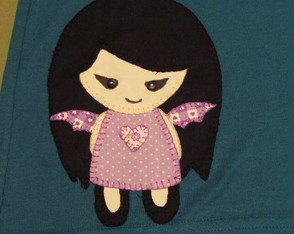 camiseta-em-patchwork-plush-poison