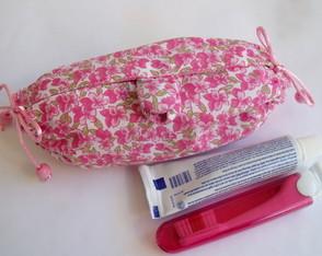 Kit higiene oral com Necessaire toalha