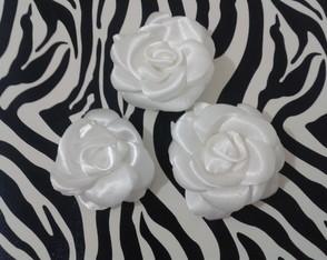 Rosas de tecido boleadas