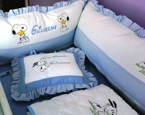KIT DE BER�O E CORTINA BORDADO SNOOPY