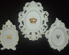 Trio de quadros proven�ais Coroa