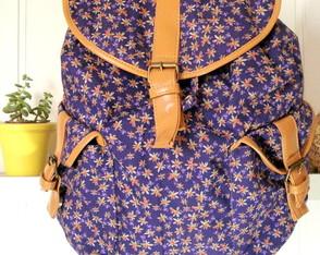 Mochila 2 Bolsos Floralzinho Roxo