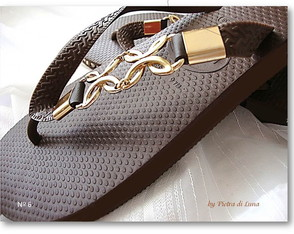 havaiana-top-cafe-in-gold-elo7