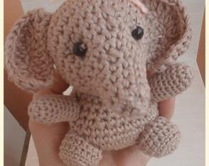 Amigurumi elefantinha Nena