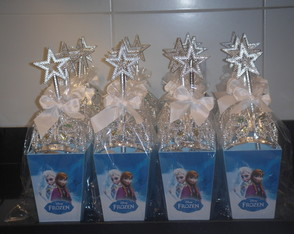 Cach�po M Frozen com Kit Princesa