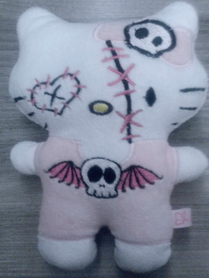 Hello Kitty Zombie Halloween