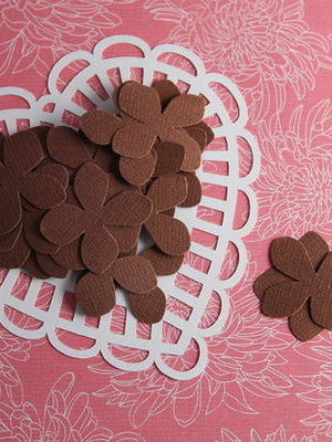 Petit Flowers Chocolate (A426)