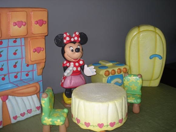 minnie cooking