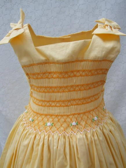 Vestido Amarelo Casinha de Abelha