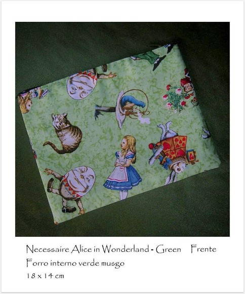 Necessaire - Alice in Wonderland
