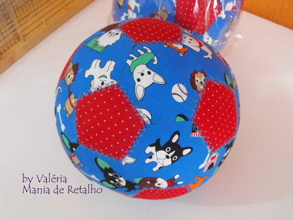 "Bola Patchwork ""Happy Dogs"""