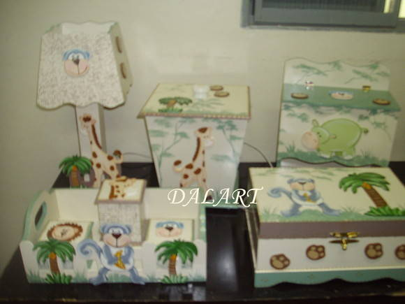 KIT DE BEB� SAFARI 8 PE�AS