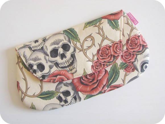 Carteira de m�o Skull & Roses II