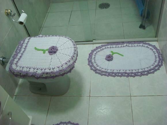 Jogo de banheiro Lilás  Ponto Cris Artes e Fricotes  Elo7 -> Decoracao Banheiro Lilas