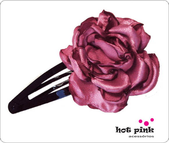 Presilha C�cile com flor de cetim rosa