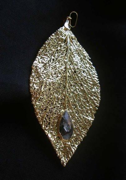 Pingente folha quartzo grafitado GF052
