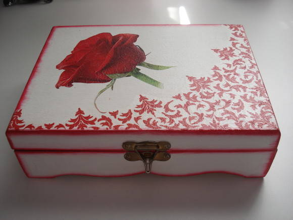 PORTA JOIA EM MDF COM DECOUPAGE