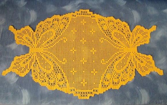 Centro de mesa em croch� fil�