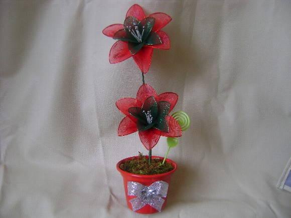 Vaso com Flor de Meia de Seda
