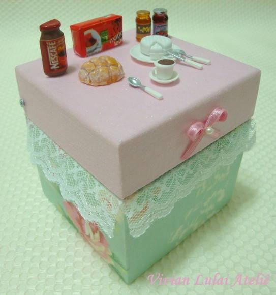 Caixa de Ch� com miniaturas