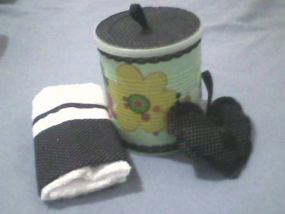 KIT LATA DECORADA PO�S PRETO E BRANCO