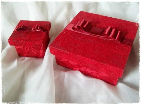 Caixa renda vermelha
