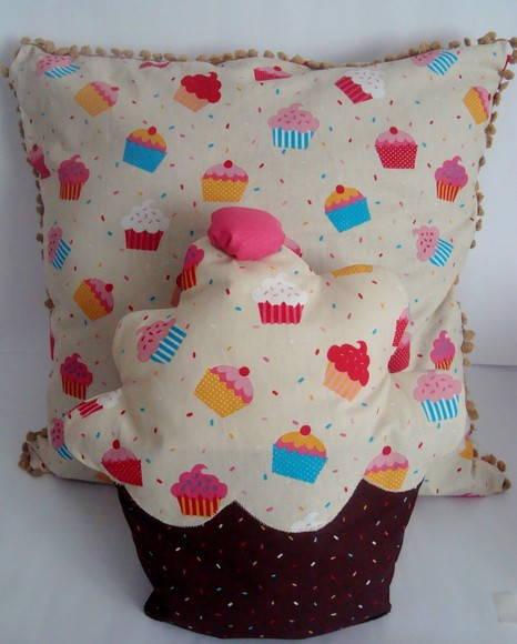 Kit: capa de almofada + almofada cupcake