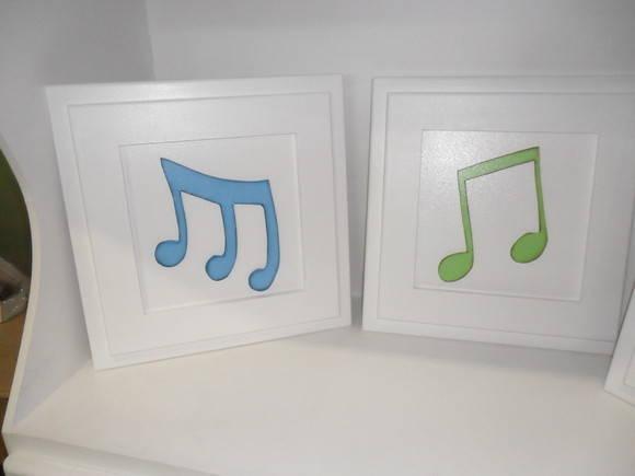 Quadros com notas musicais