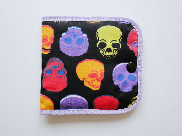 Porta Absorventes - Skulls Color