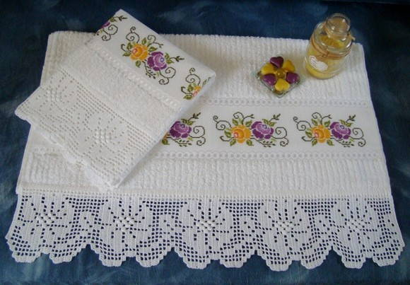 Toalha Banho/ Rosto ponto cruz e crochê   Handicraft   Elo7