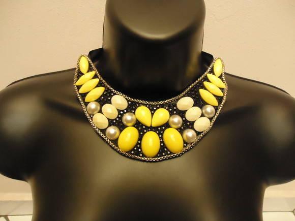Maxi colar Amarelo c/ p�rolas (MX035)