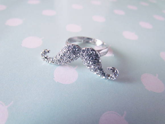 Anel Mustache Strass