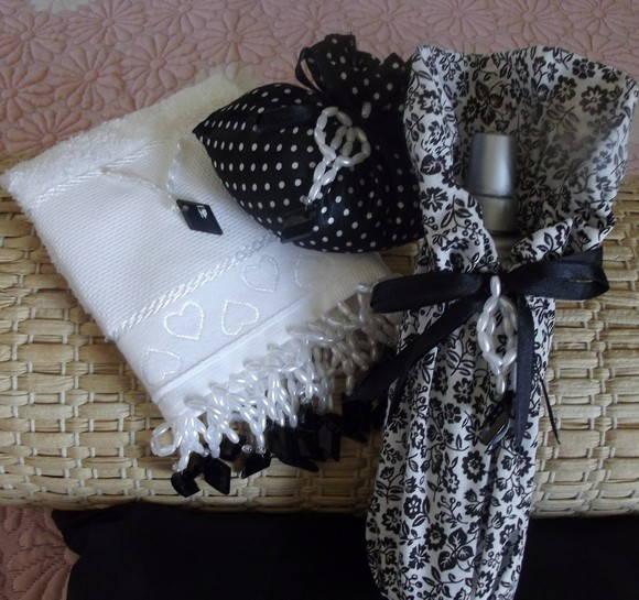 decoracao toalha lavabo:Kit toalha lavabo pedrarias