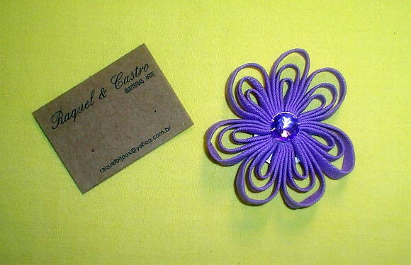 Broche flor lil�s