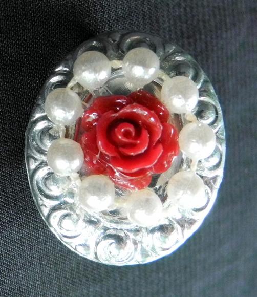 Broche Pequeno Rosa com p�rolas