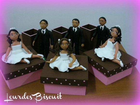 Biscuit dos noivos em caixinha reutilizada