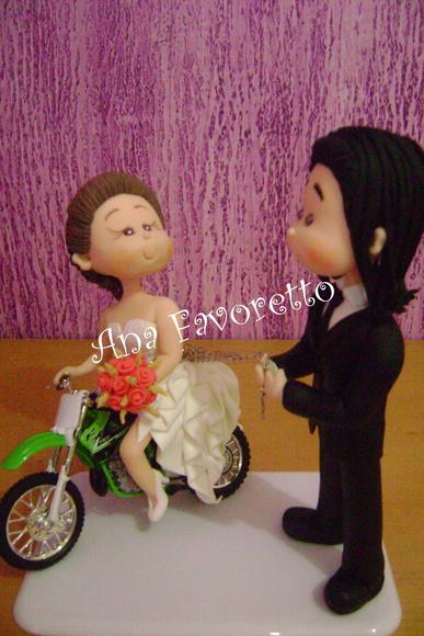 Topo de bolo fofinhos com moto