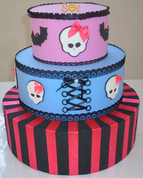 Inicio Doces Bolos Bolo Monster High