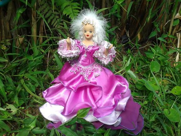 Boneca do Raio Violeta