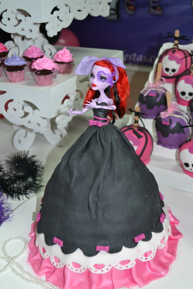 Bolo boneca Monster High
