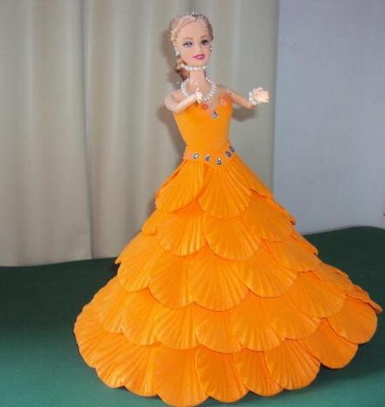 Boneca Com Vestido De Eva - Laranja