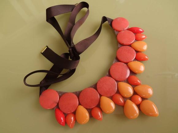 Maxi colar tons de laranja