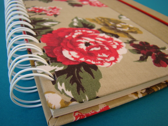 caderno floral + borda lisa