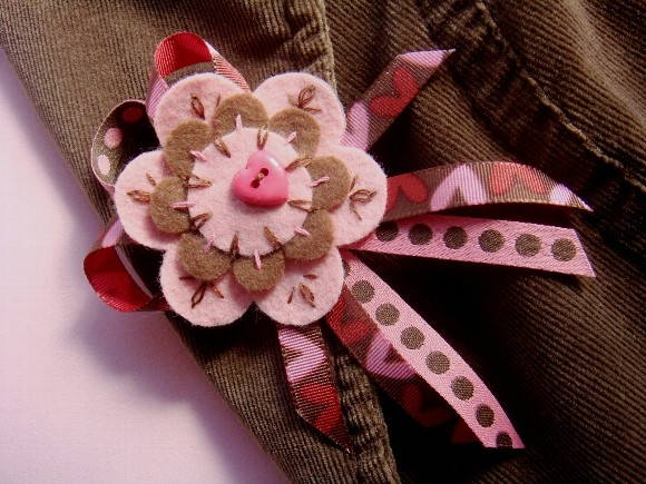 Broche Pink and Brown