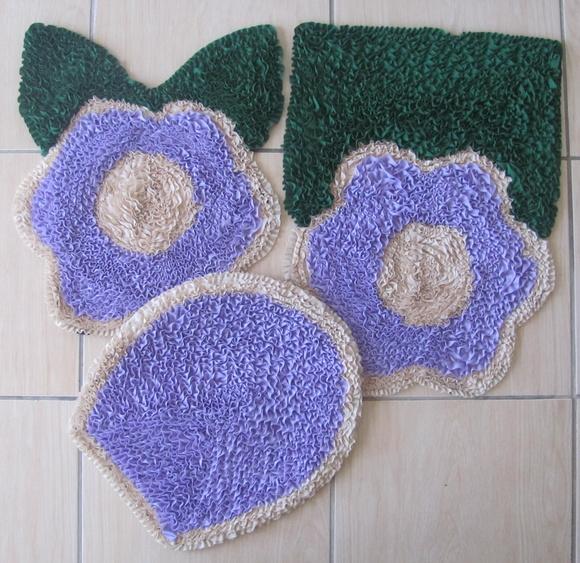 Tapete Floral Para Banheiro : Conjunto de tapetes para banheiro, 3 pe? ViaCris Tapetes Artesanais