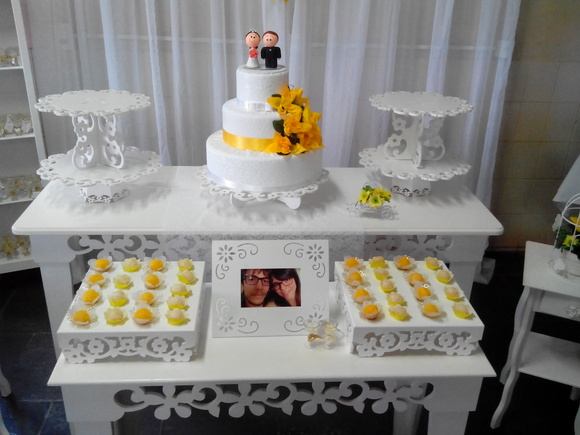 imagens de decoracao de casamento azul e amarelo : imagens de decoracao de casamento azul e amarelo:casamento-provencal-amarelo-e-branco-decoracao-provencal-casamento