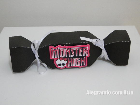 Caixa modelo bala Monster High