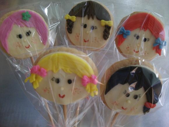 Biscoito amanteigado cara de boneca   Coisas de Aninha   Elo7