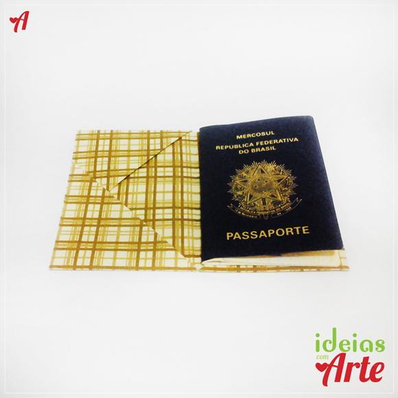 Porta-passaporte e documentos xadrez